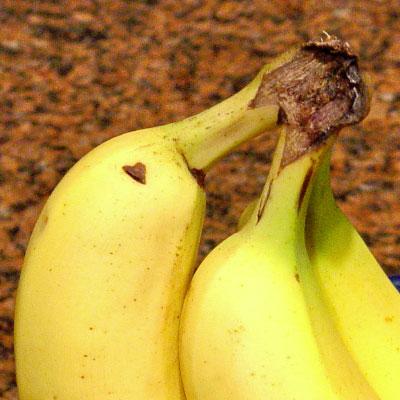 small heart banana hanttula