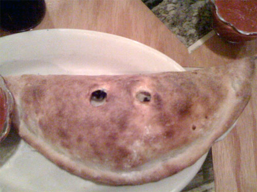 smiling-calzone